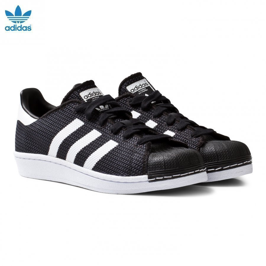 Adidas Originals Black And White Superstar Junior Trainers Lenkkarit