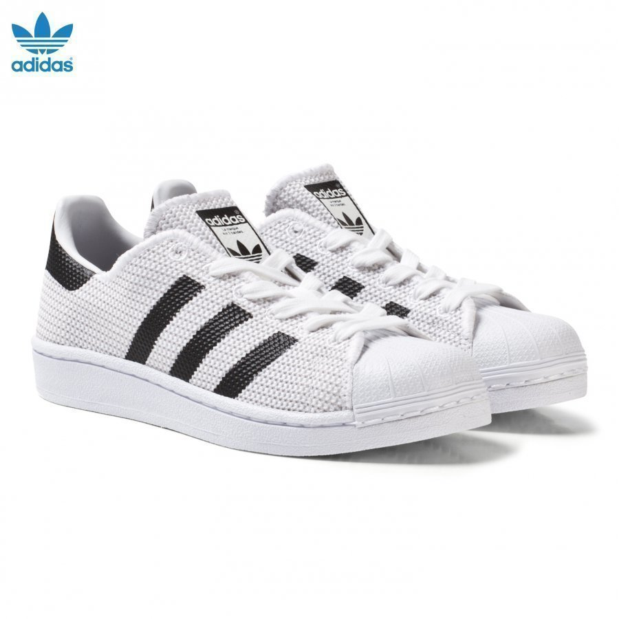 Adidas Originals White And Black Superstar Junior Trainers Lenkkarit