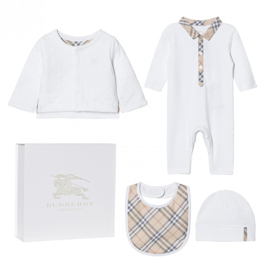 Burberry 4 Piece Zayden Baby Gift Set Lahjasetti