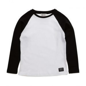 CostBart Nasim Long Sleeve T-Shirt