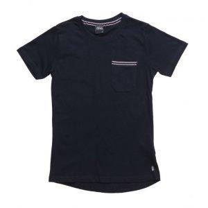 D-xel Dilan T-Shirt