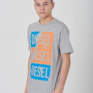 Diesel Tjustzc Over T Shirt T-Paita Harmaa