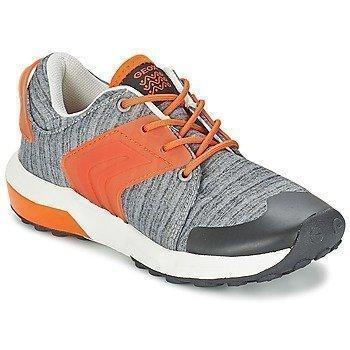 Geox ASTEROID B. A matalavartiset kengät