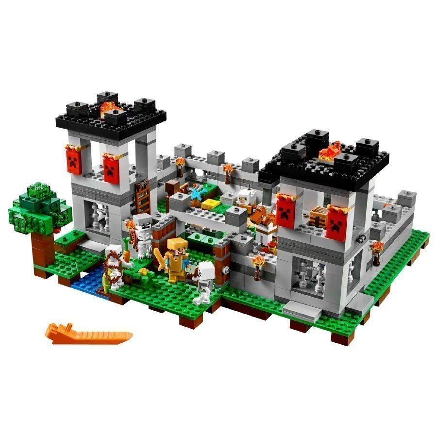 Lego Minecraft Linnoitus 21127