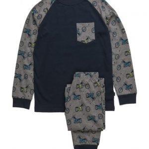 MeToo Gwan Nightwear