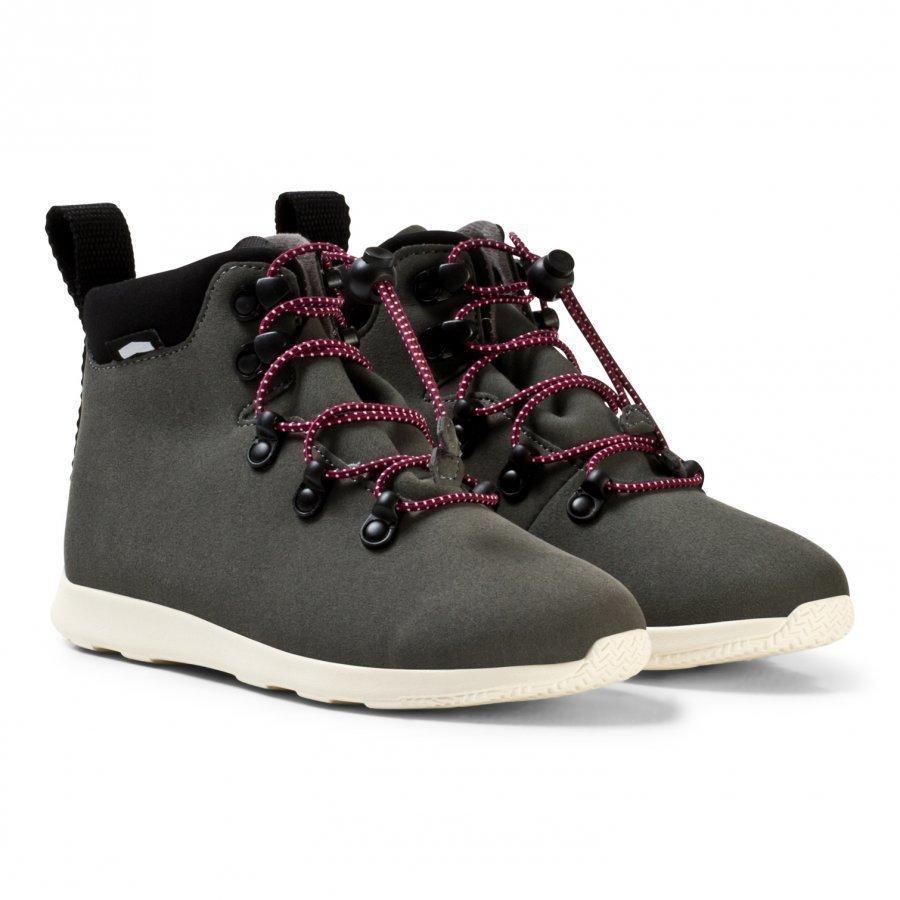 Native Grey Apex Water Repellent Boots Nilkkurit