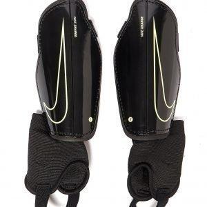 Nike Charge 2.0 Shin Guards Musta