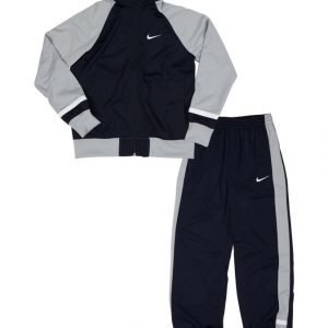 Nike Verryttelyasu