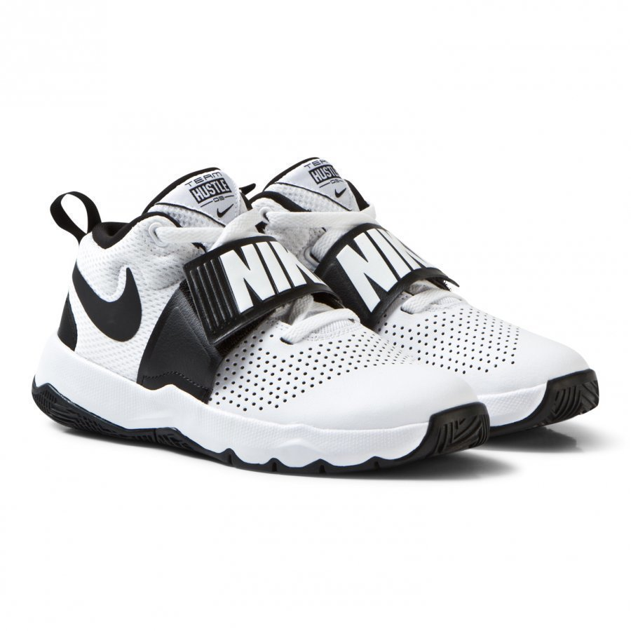 Nike White And Black Team Hustle Junior Trainers Urheilukengät