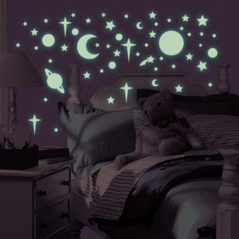 RoomMates Seinäsiirtokuva Itsevalaisevat Tähdet