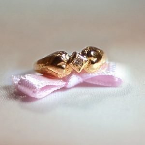 Viola kultainen kastesormus timantilla